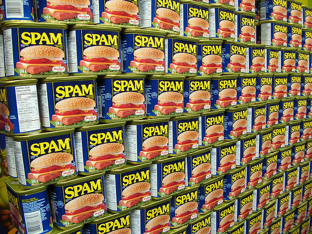 Foto: Spam wall by freezelight,  CC-BY-SA, https://www.flickr.com/photos/63056612@N00/155554663/